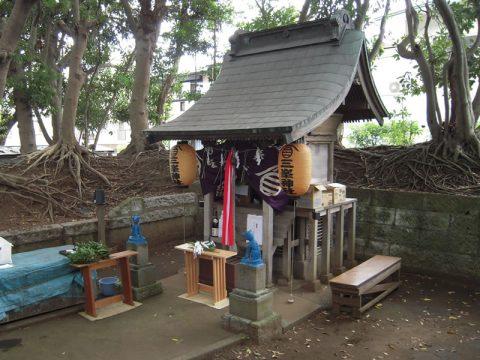 三峯神社(旧称 犬飼神社)