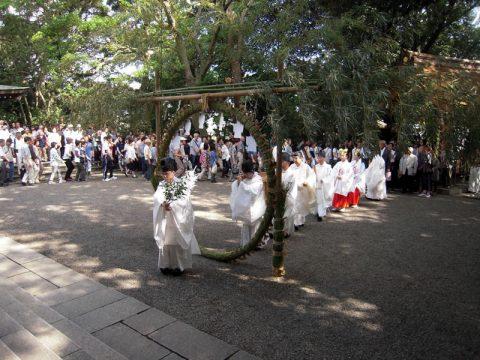 夏越大祓式 (芽の輪くぐり)並大祓祈願祭